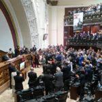 Gobierno y oposición se disputan la Asamblea Nacional a fuerza de dólares mientras el pueblo se muere de hambre